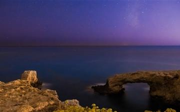 Calm Sea Under The Milkyway Mac wallpaper