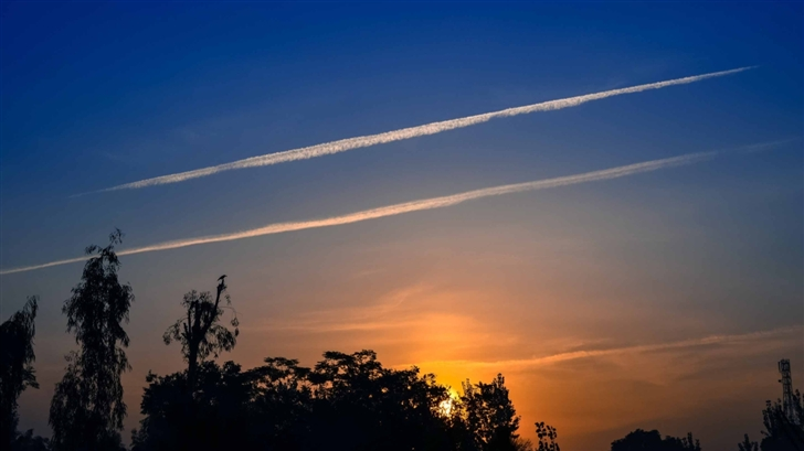 Airplane Tracks Sky Mac Wallpaper