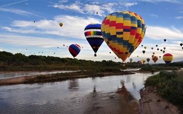 Balloons Over The Rio Grande Mac wallpaper