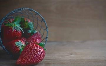 Strawberry Basket Mac wallpaper