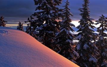 Snowy Ridge Evening Mac wallpaper