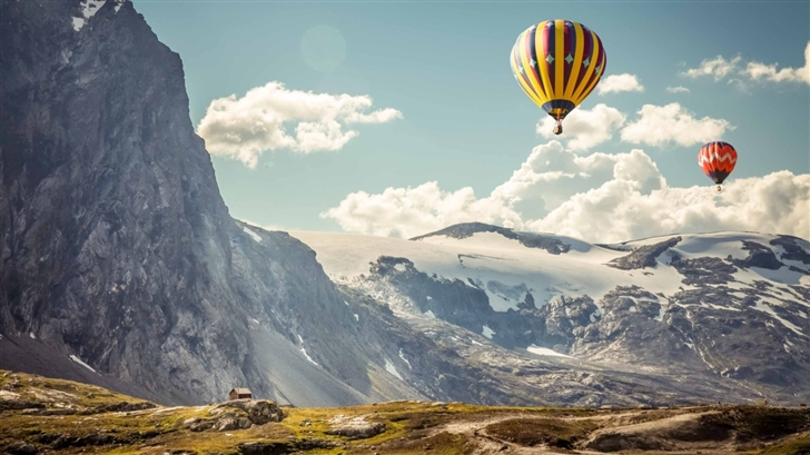 Hot Air balloons In The Air Mac Wallpaper