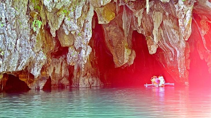 Underground River Mac Wallpaper
