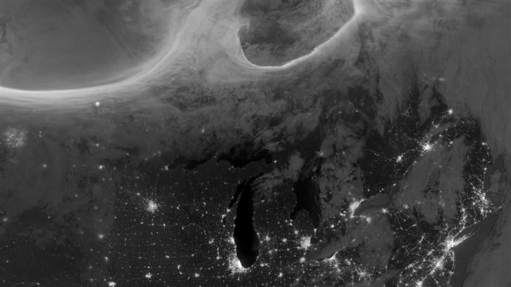 Auroras Over North America Mac Wallpaper