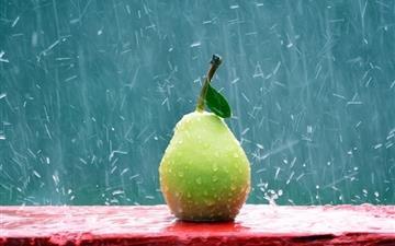 Green Pear in the Rain Mac wallpaper