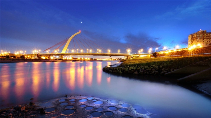 Bridge Lights Mac Wallpaper