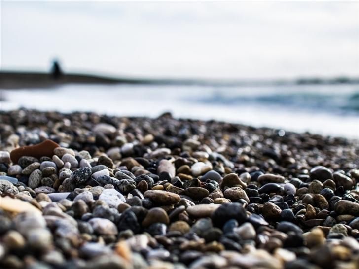 Pebbles On The Beach Mac Wallpaper
