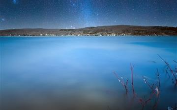 Milkyway over lake Mac wallpaper