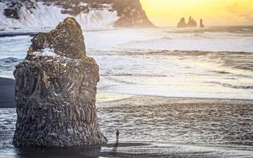 Iceland Black And Sand Beach Mac wallpaper