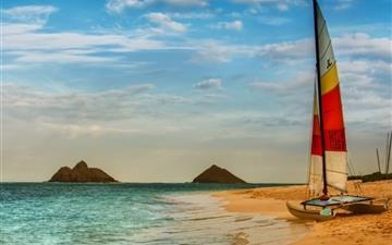 Boat On Oahu Beach Mac wallpaper