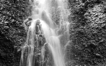 The Waterfall Mac wallpaper