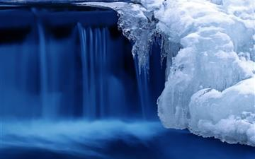 Frozen cascade Mac wallpaper