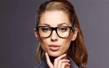Beautiful Business Woman Mac wallpaper