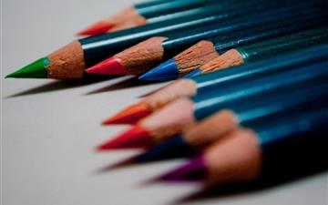 Colored pencils macro Mac wallpaper