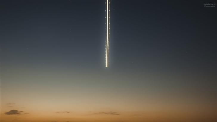 Airplane In The Sky Mac Wallpaper