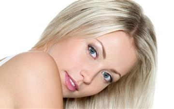 Blonde Girl Mac wallpaper