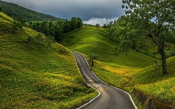 Mountain and road Mac wallpaper