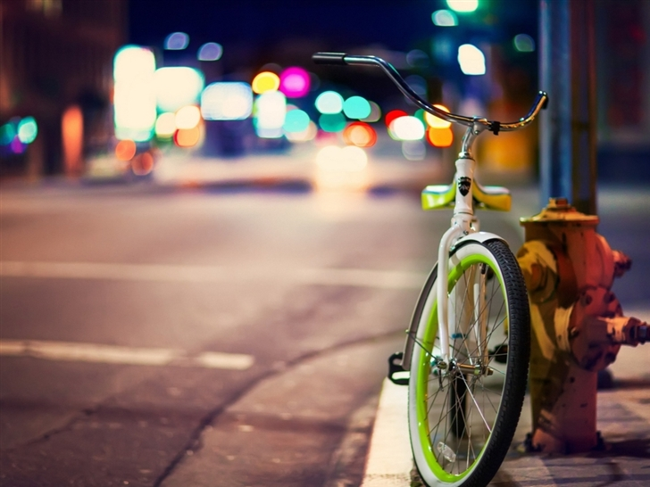 Bicycle On The City Street Mac Wallpaper