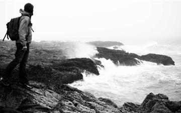 Crashing Waves Mac wallpaper