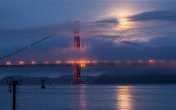 Moon Rising Over San Francisco Mac wallpaper