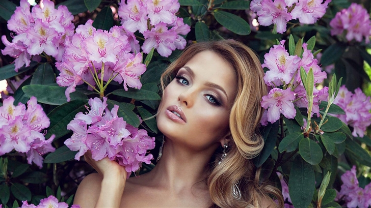 Girl In Flowers Mac Wallpaper
