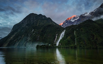 Waterfall In New Zealand Mac wallpaper