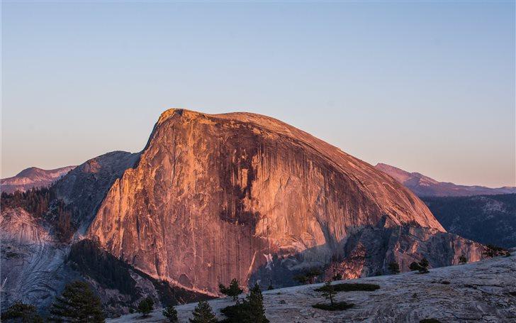 Half Dome in Yosemite Nat... Mac Wallpaper