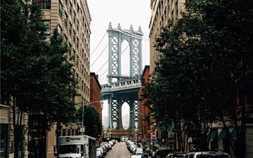 Dumbo street and bridge B... Mac wallpaper
