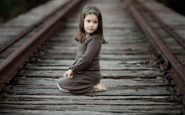 Girl Railway Track Mac wallpaper