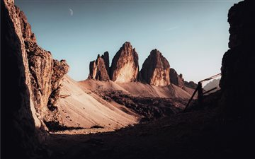 Jutting Rock Formations Mac wallpaper