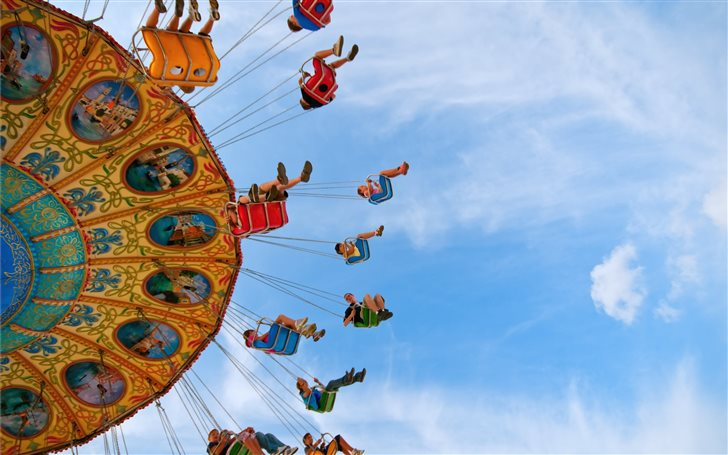 Fairground swing ride Mac Wallpaper