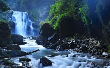 Beautiful Taiwan Forest Waterfalls MacBook Air wallpaper