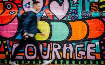 Courage. Mac wallpaper