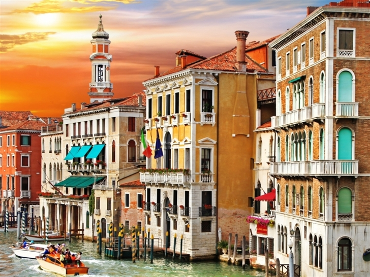 Colorful Venice Corner Mac Wallpaper