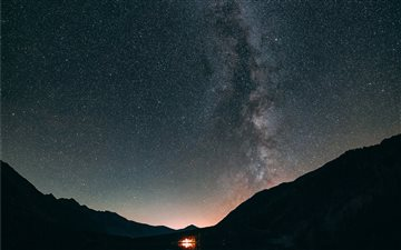 Milky way Antholz lake Mac wallpaper