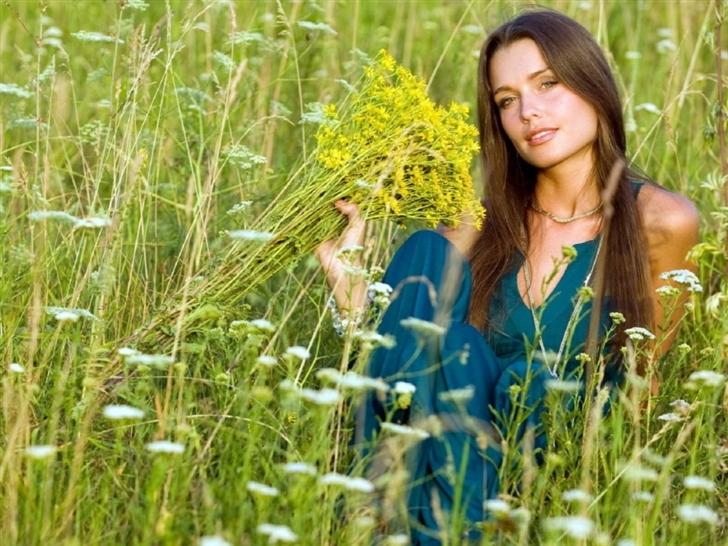 Girl Summer Field Flowers Mac Wallpaper