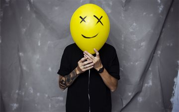 Ballon Face Mac wallpaper