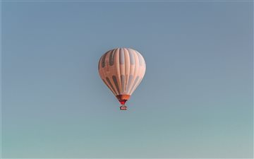 Hot air Balloon in the sk... Mac wallpaper