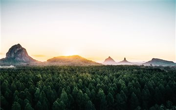 Glass House Mountains, Au... Mac wallpaper