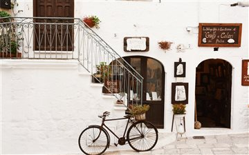 Vintage bike in Italy All Mac wallpaper