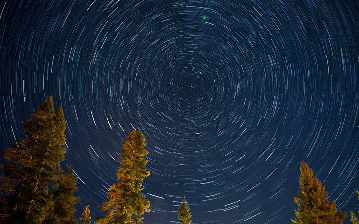 Star Tracks at Lake Tahoe Mac Wallpaper