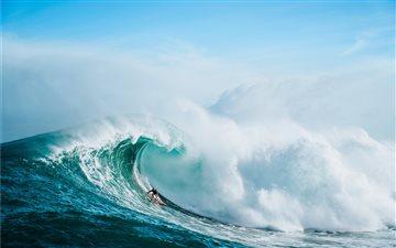 Russell Bierke Surfs at J... Mac wallpaper