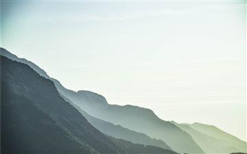 Mountain layers Mac wallpaper