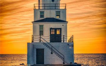 Morning Lighthouse Mac wallpaper