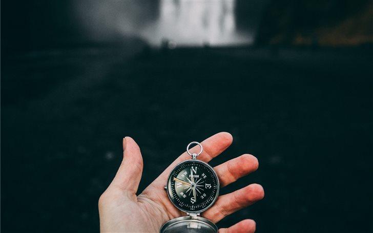 Follow the compass of you... Mac Wallpaper