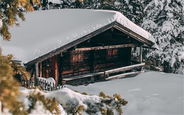 Forest cabin in the snow ... All Mac wallpaper