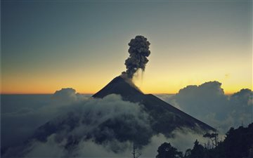 mount erupting smoke Mac wallpaper