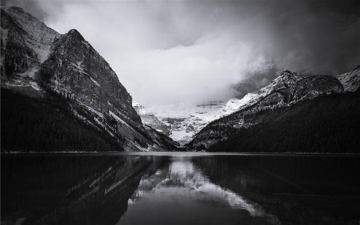 Lake Louise, Banff, Canad... Mac Wallpaper