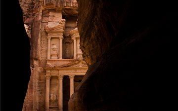 Petra treasure ancient ar... Mac wallpaper