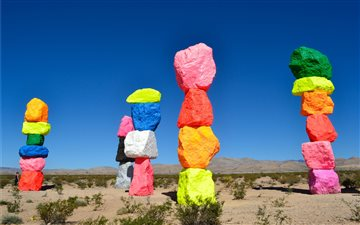 Seven Magic Mountains, La... Mac wallpaper